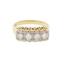 Ring 585/000 (14 Karat) Gelbgold mit Diamanten getragen...